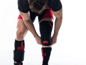 Ginocchiere Powerlifting, ginocchiere da powerlifting, le migliori ginocchiere per il powerlifting, ginocchiere neoprene, supporto ginocchia, supporto articolazioni, sostegno ginocchia, ginocchiere SBD, ginocchiere powerlifting SBD, ginocchiere squat, ginocchiere stacco